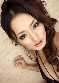 Фото азиатки с большими грудями