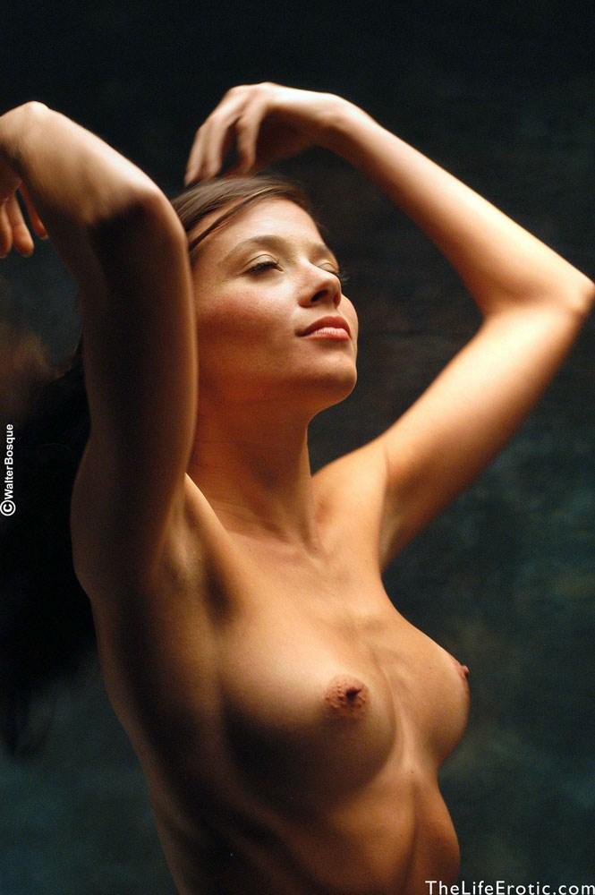 Частные фотографии женских сосков