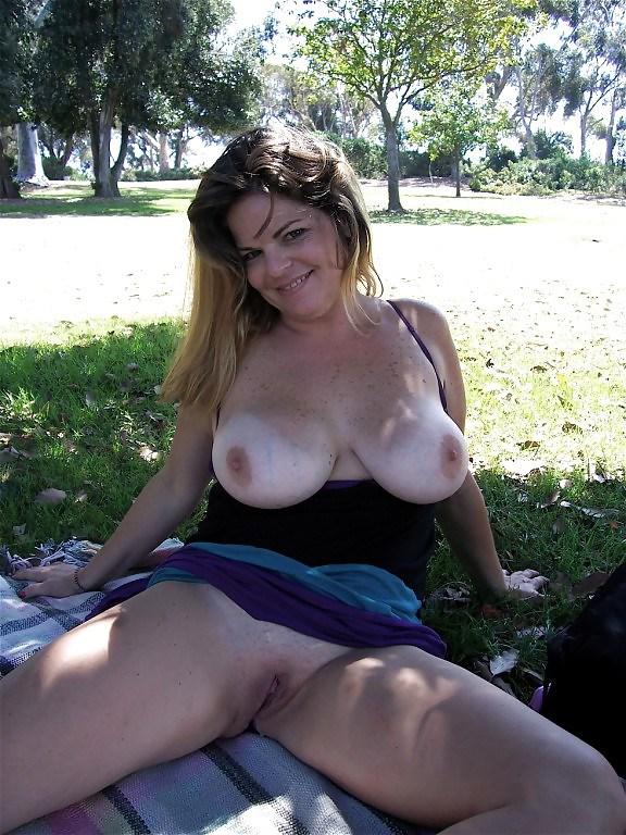 Порно фото мастурбирующих пожилых