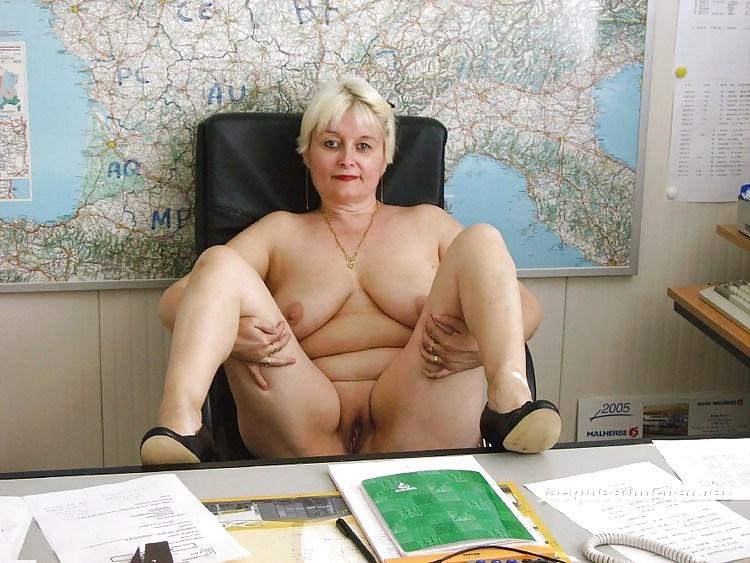 пожилые голе женщины фото