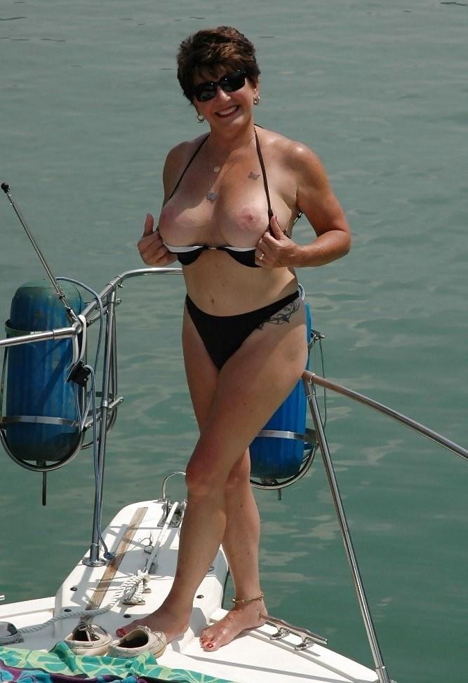 фото голых взрослых леди