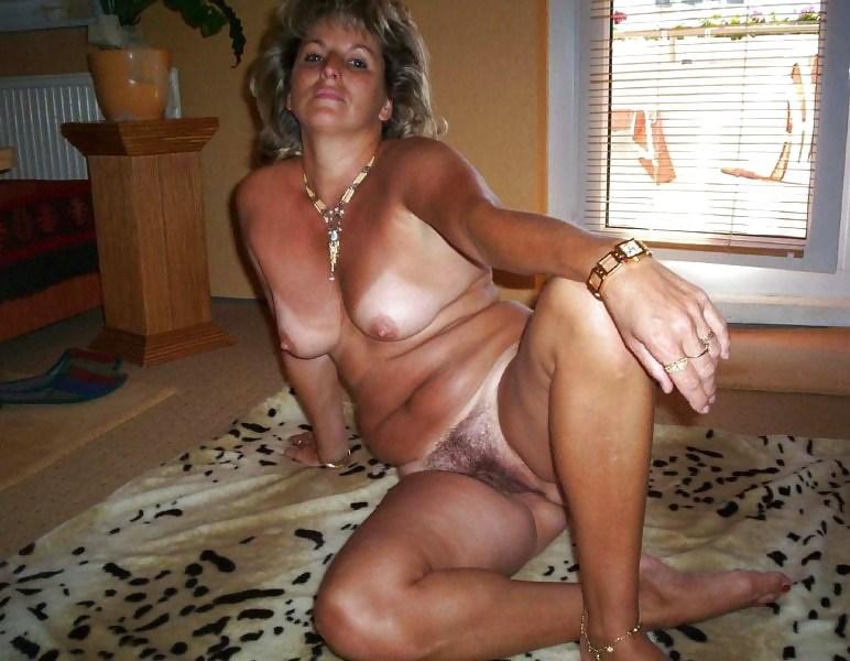фото голых пожилыженщин домашнее