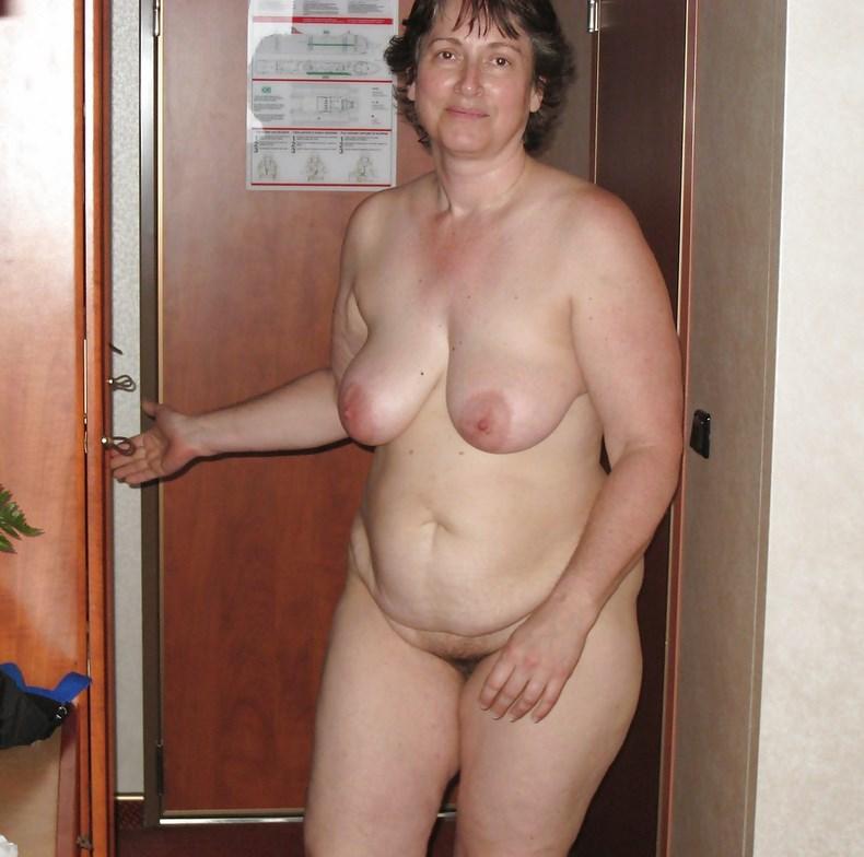 домашнее фото пожилых женщин